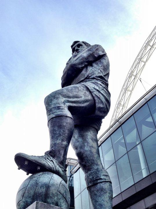 statue-wembley